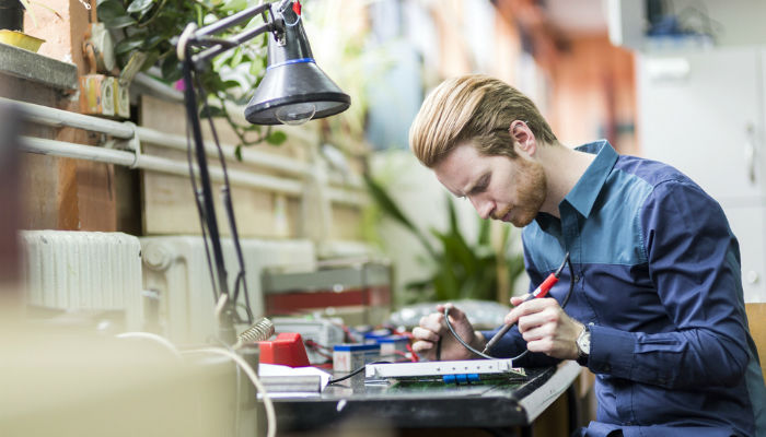 Tips to get the best electrical engineer on board